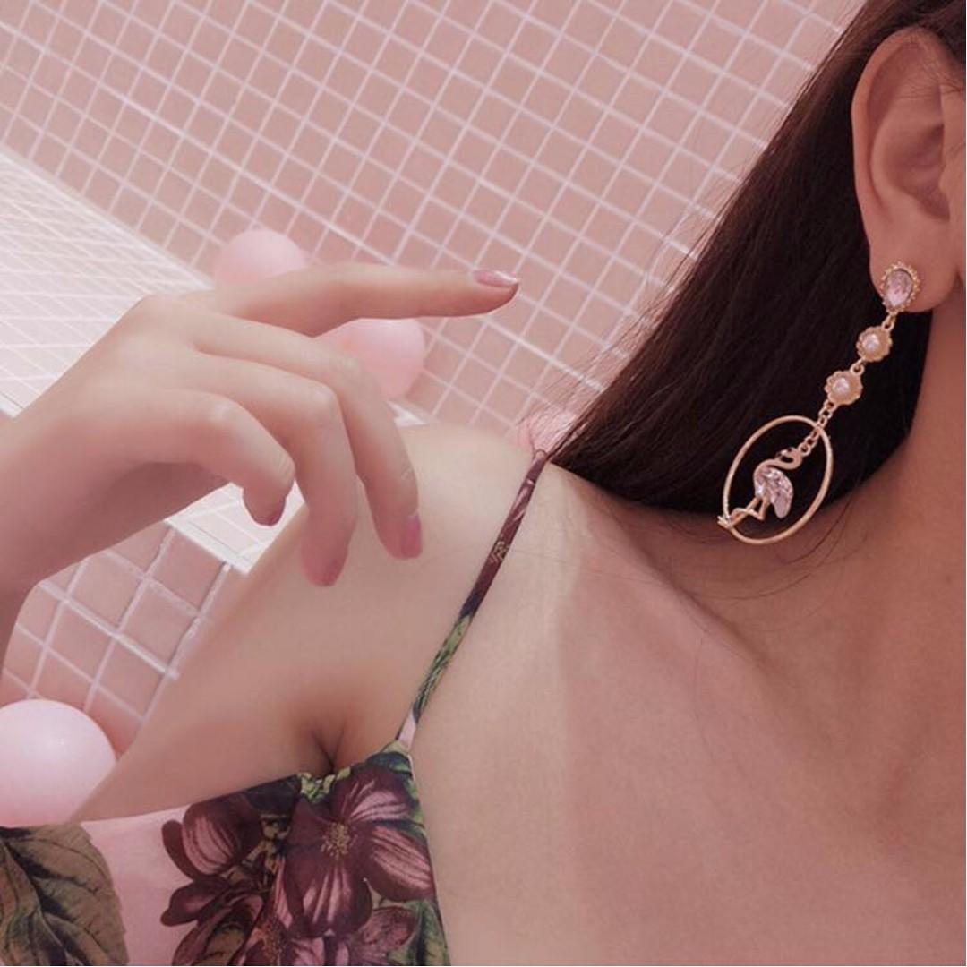 🎀韓國紅鶴不對稱鋯石耳針🎀P1012603