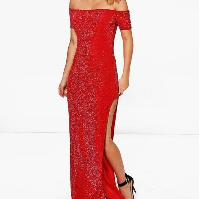 **PRICE DROP**BOOHOO OFF THE SHOULDER RED MAXI SLIT DRESS