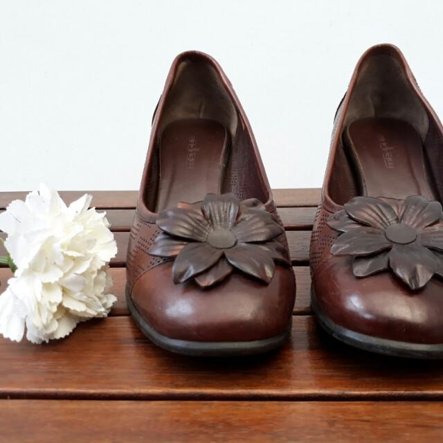 Sepatu Wanita Merk Andrew Women S Fashion Women S Shoes On Carousell