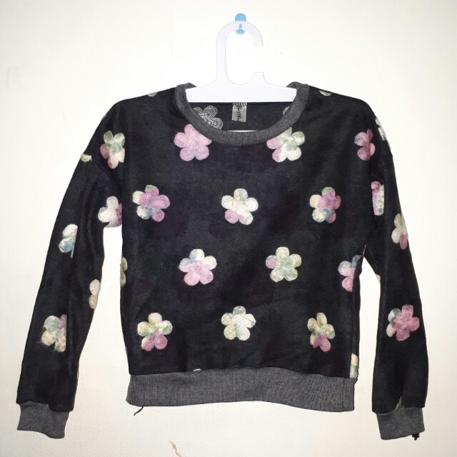 Sweater bunga crop