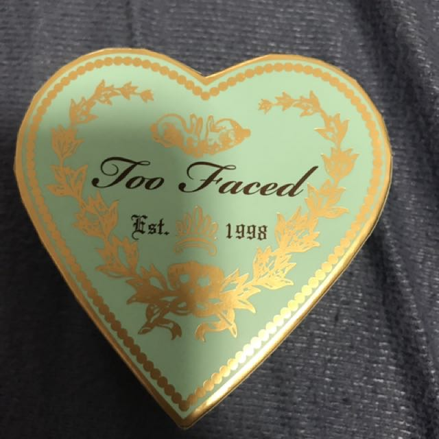 Too faced baked glow bronzer