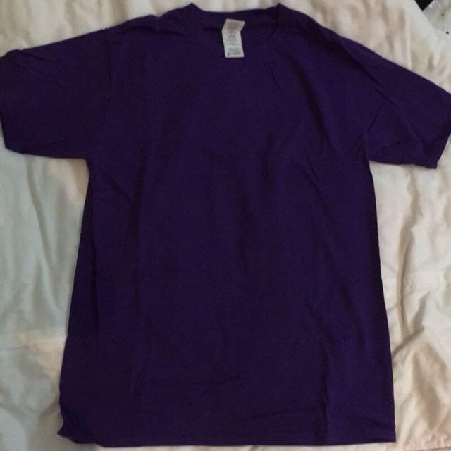 紫色素面T-shirt/T恤