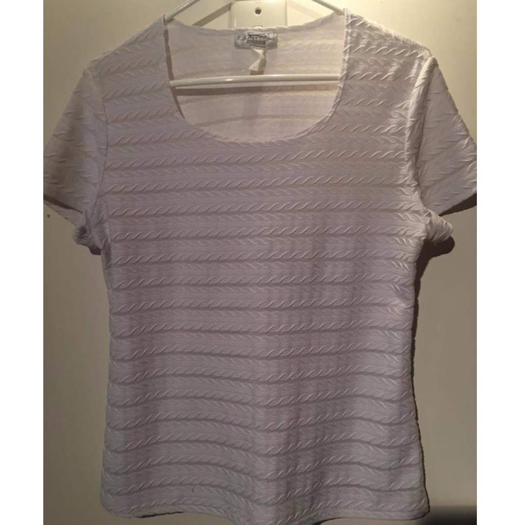 White T-shirt with mesh pannels