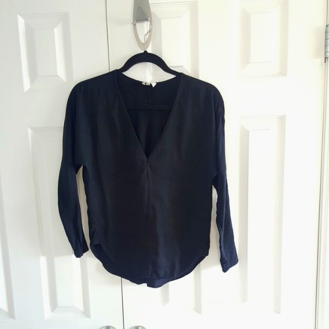 Aritzia Wilfred Loose Fit Shirt XXS