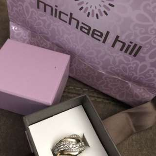 1k diamond ring from Michael hill
