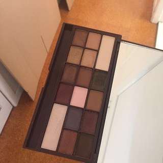Too Faced Chocolate Bar Palette Dupe - Makeup revolution