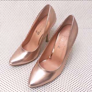 Rose Gold Heels Size 6