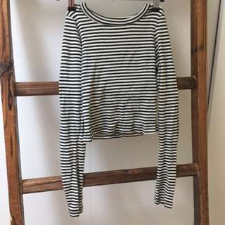2 x grey and stripy crop tops general pants