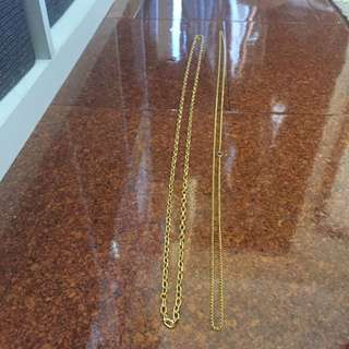 Assorted lengths of gold chain