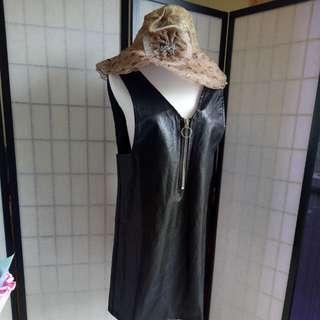 皮革連身裙