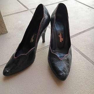 Snake Skin Pappagallo Heels Size 37