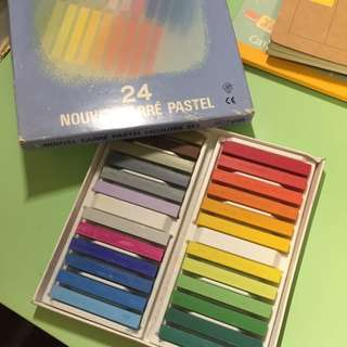 Japanese Nouvel Carre Pastel 24 Colors Art Supply Box 粉彩筆24色