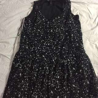 Mongo 全新洋裝