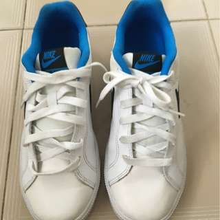 Nike Running Shoes / Size : UK 7 / Condition : 9/10