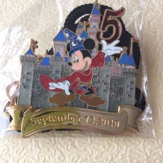 Disney cast lanyard 5th Anniversary