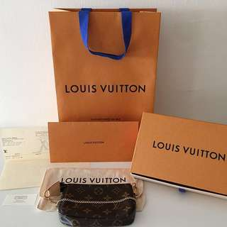 💯 Authentic LV mini Pochette