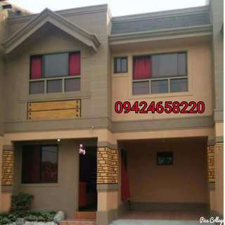 4bedrooms Townhouse in Ugong Valenzuela