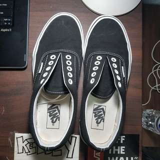 Vans Era Black (7.0 Men's, 8.5 Women's)