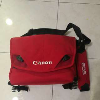 CRUMPLE Canon Camera Sling Back