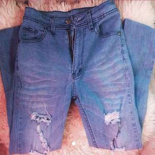 SALE! Ripped HW Jeans!