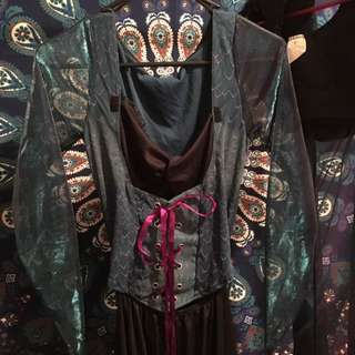 Malificent woman's costume