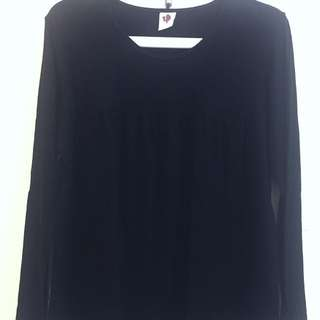 Nyonya nursing wear black top