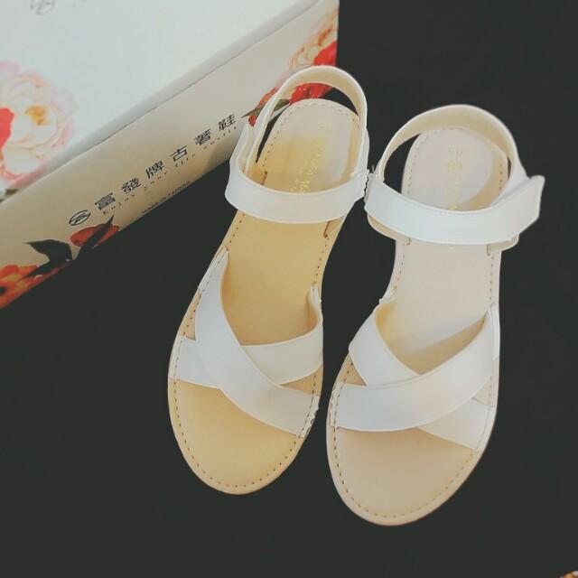 全新 富發牌 日系好好搭交叉涼鞋 真皮白色涼鞋