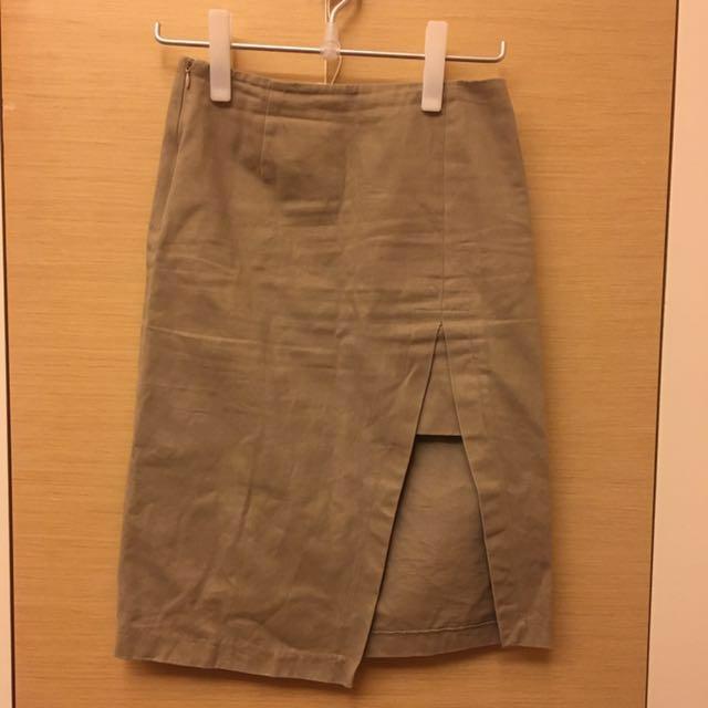 三折特賣 卡其色 窄裙 過膝裙OL必備