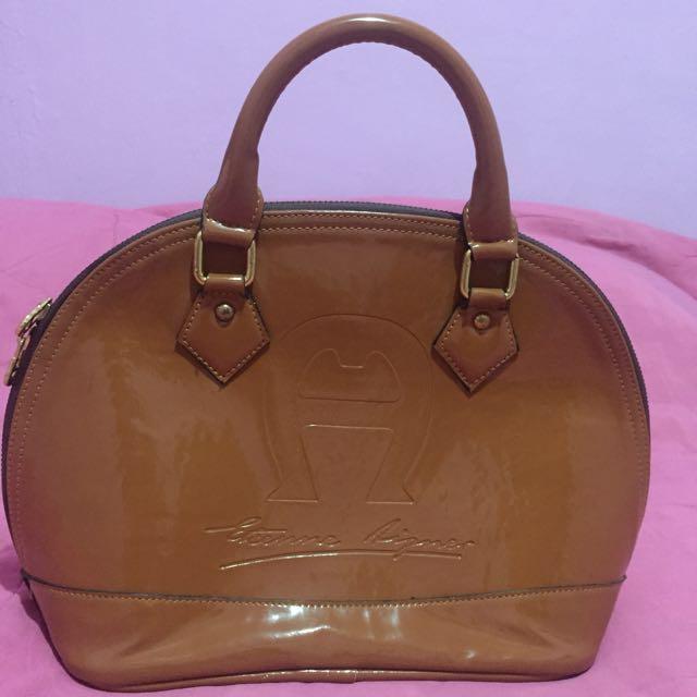 Aigner Bag Not Authentic