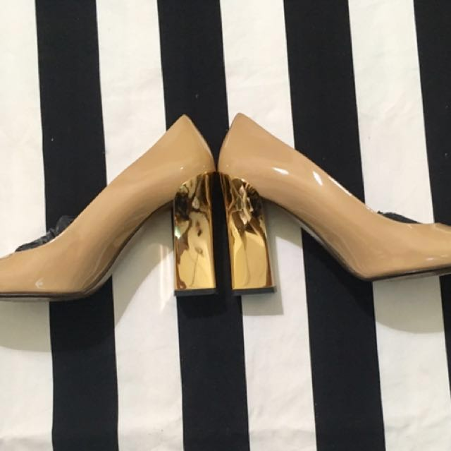 AUTHENTIC MARNI PUMPS SIZE 39 in nude&gold