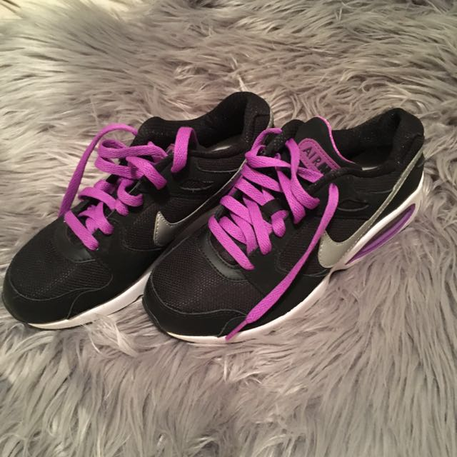 Black & purple nikes