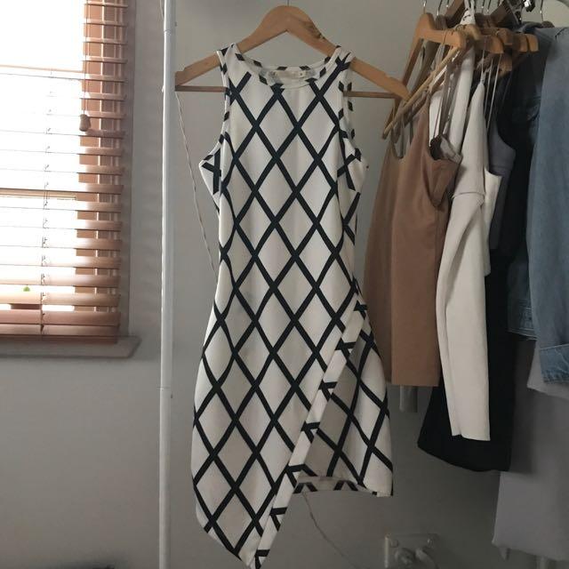 Black and White Diamond Print Bodycon Asymmetrical Dress