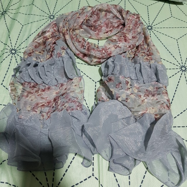 BNEW Scarf