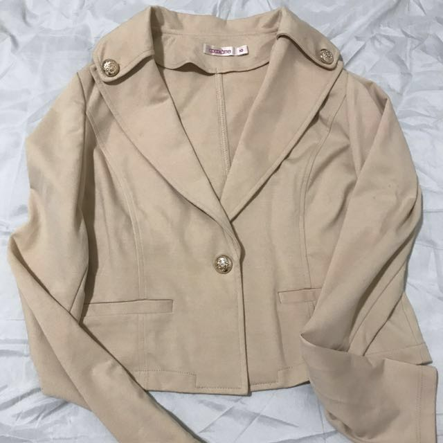 Cocolatte Beige Crop blazer