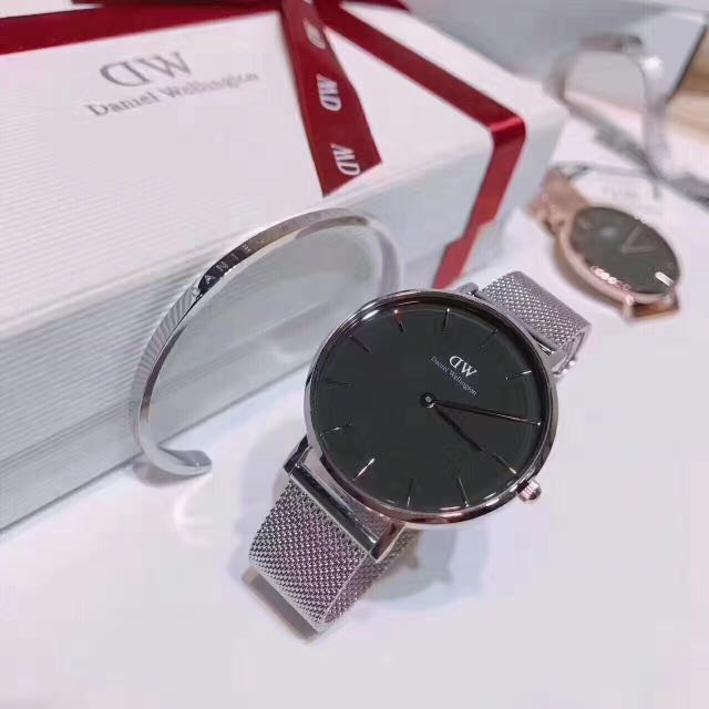 42ed5164e7a DW Daniel Wellington Classic Petite Sterling. Authentic with tags ...