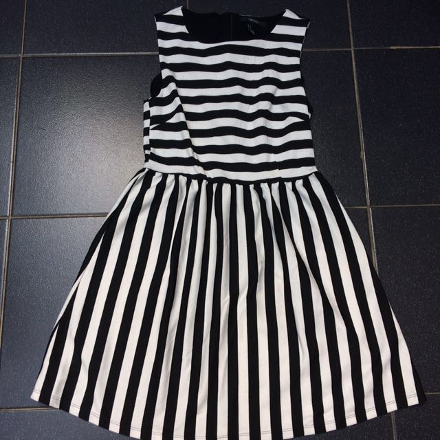 FOREVER 21 Stripes Casual Dress