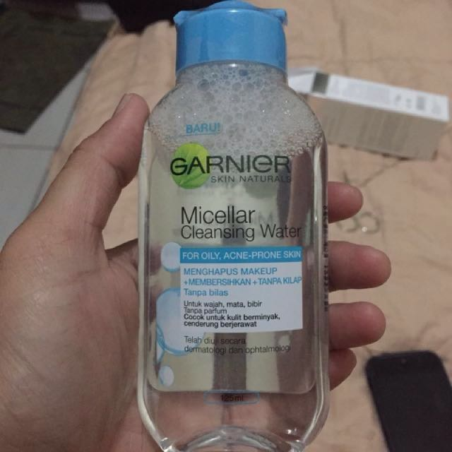 Garnier Micellar Cleansing Water