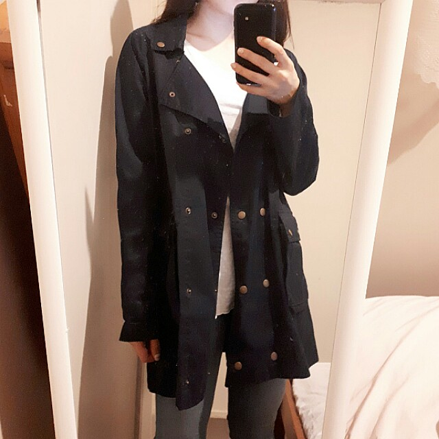 Glassons burberry like coat