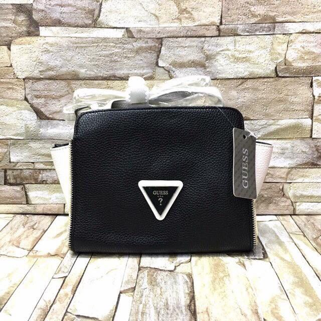 Guess sling bag(authentic)