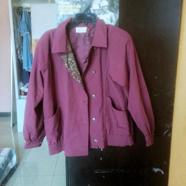 Jaket unisex merah maroon