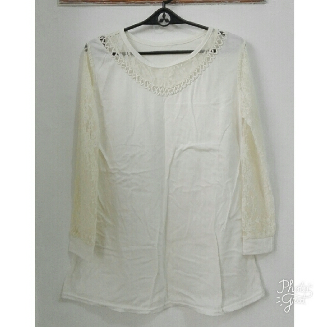 Long sleeve Top With Lace Sleeves