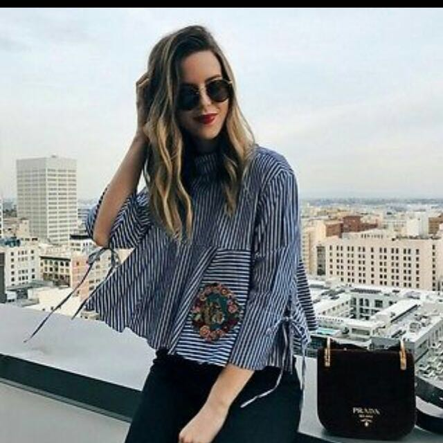 Looking for this zara top authentic in size xs