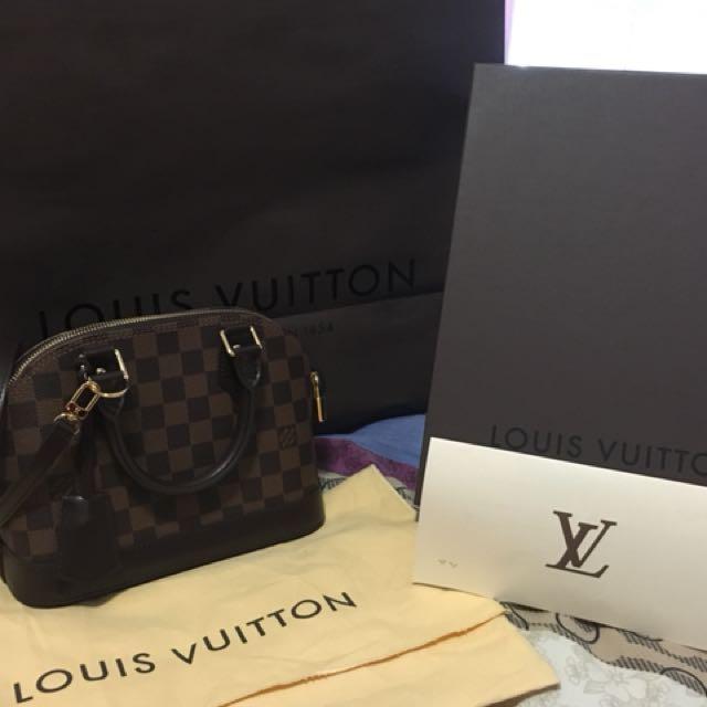 Louis Vuitton Alma BB Damier LV