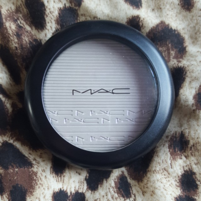 MAC Soft Frost Extra Dimension SkinFinish