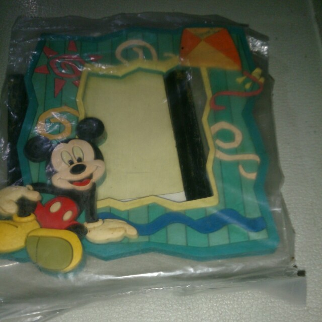 Mickey Mouse Magnet Picture Frame Design Craft Others On Carousell