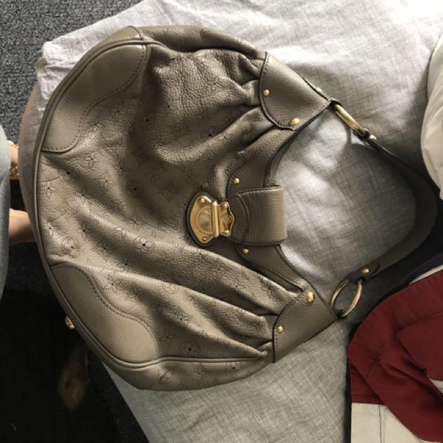 Real leather authentic Louis Vuitton handbag