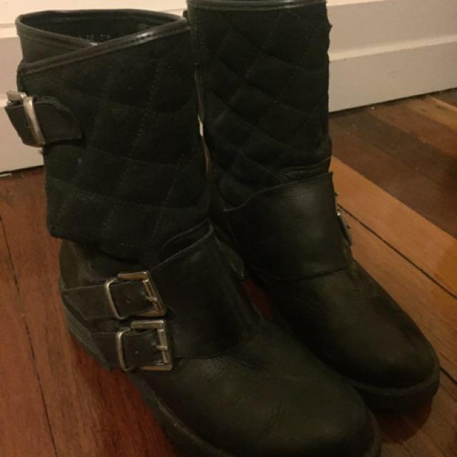 Shubar Boots Size 7
