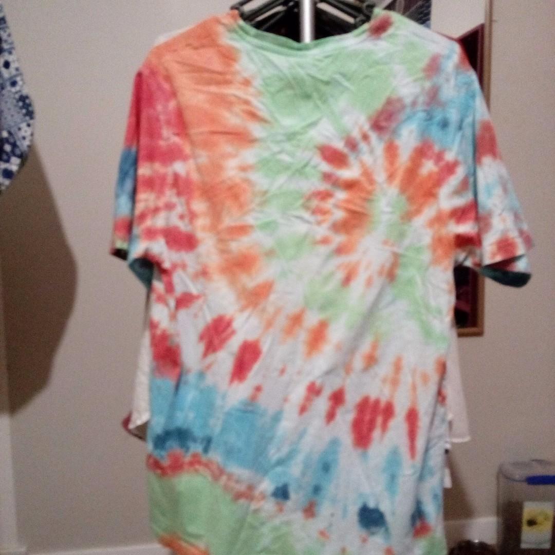 size 12-14 tie dye shirt, super comfy