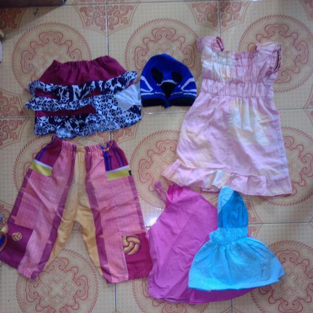 take all (baju, celana, topeng, rok, jilbab)