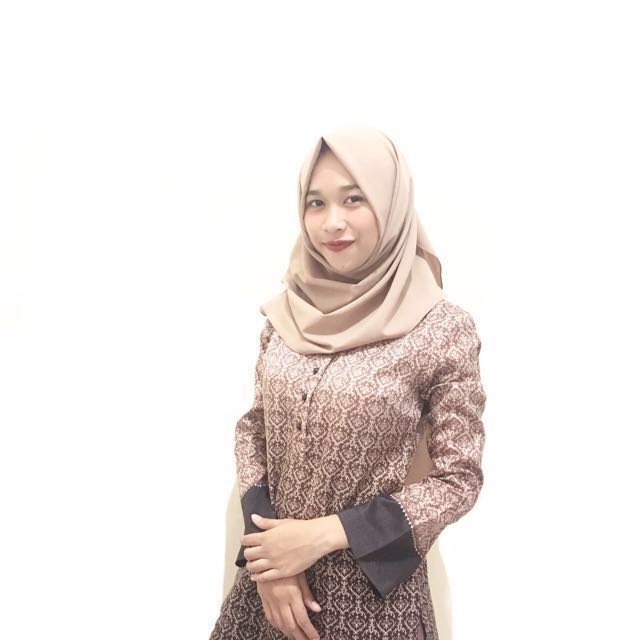 The Executive Pattern Blouse